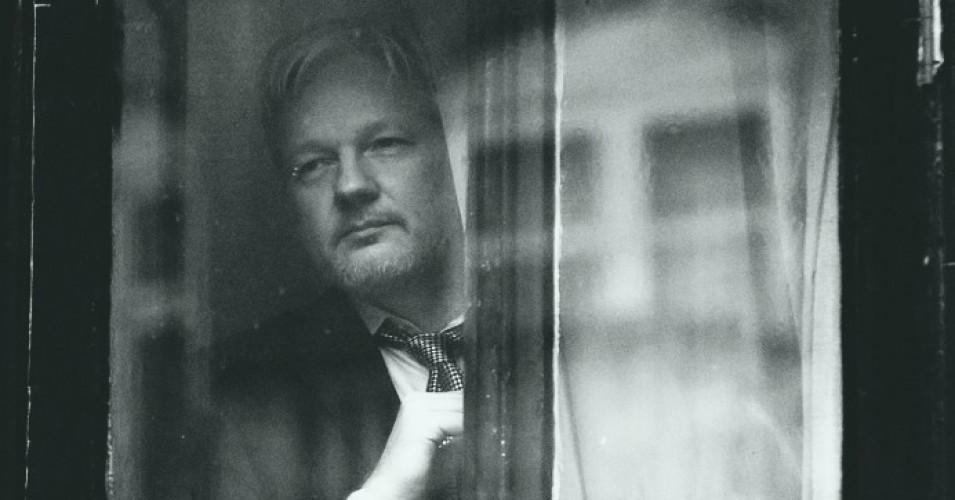 Julian assange libero!